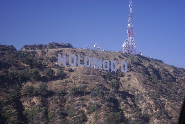 Vue sur Hollywood Sign depuis l'hélicoptère