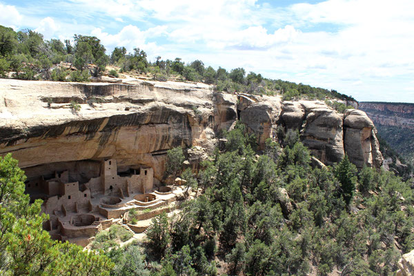 Mesa Verde National Park - MARELBU [CC BY 3.0 (http://creativecommons.org/licenses/by/3.0)], via Wikimedia Commons