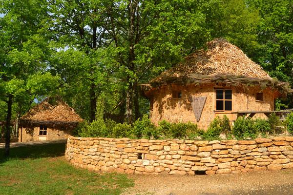Cabanes Rondes de Jeanne © Camping Périgord Vacances