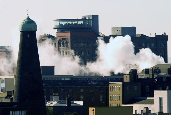 Vue sur le Guinness Storehouse - Crédit Photo : Ireland Tourism - Kevin Dunne