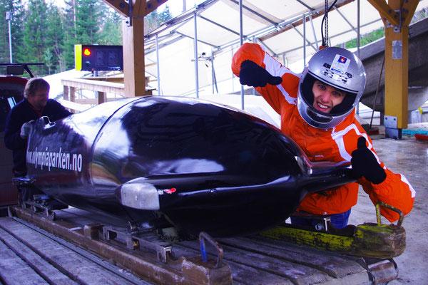 Je fais le malin à côté du bobsleigh mais ça ne va pas durer !