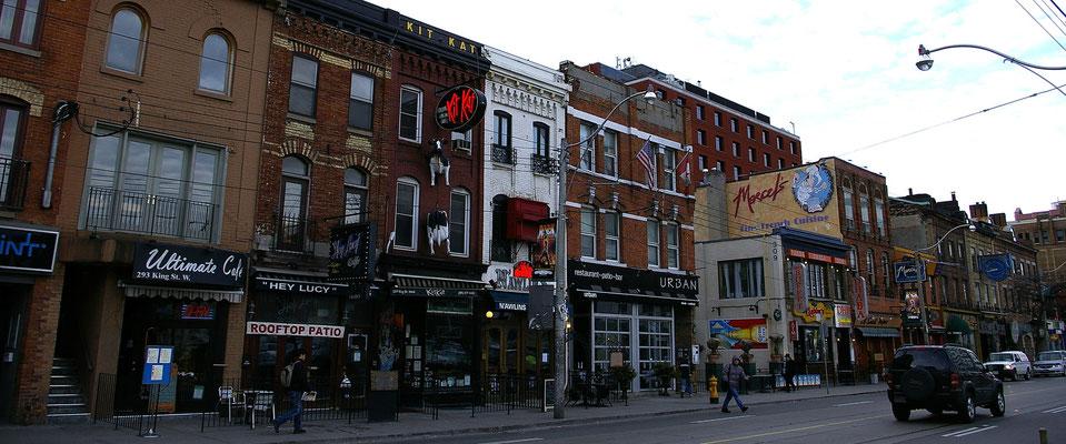 Downtowan Toronto - Copyright Trip85.com