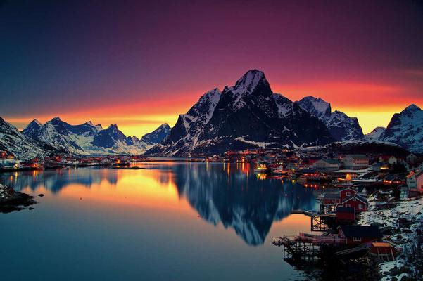 Vue sur Moskenes en plein hiver ! Crédit Photo :  Christian Bothner - Moskenes - Source : nordnorge.com