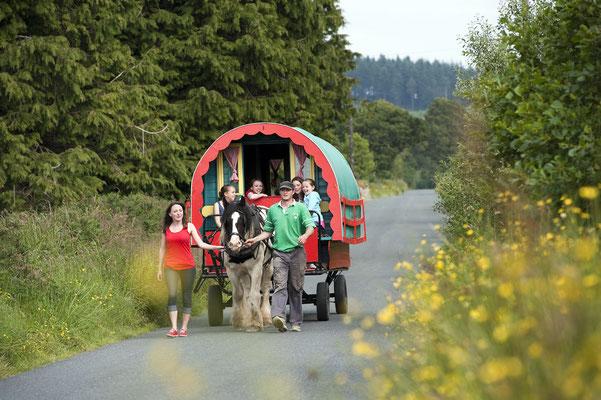 Voyager en Roulotte - Tourism Ireland - Neal houghton