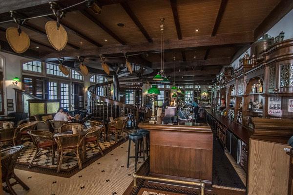 Le bar du Raffles où l'entrée est libre !