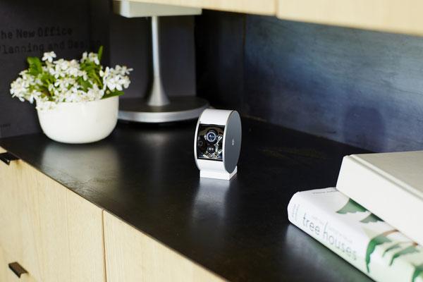 La caméra MyFox possède un volet qui obstrue la lentille de la caméra quand vous rentrez à la maison ! / Crédit Photo  : MyFox