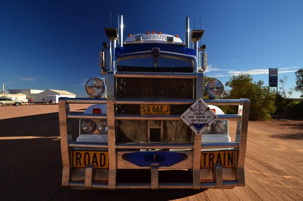 Road Train sur la Stuart Highway