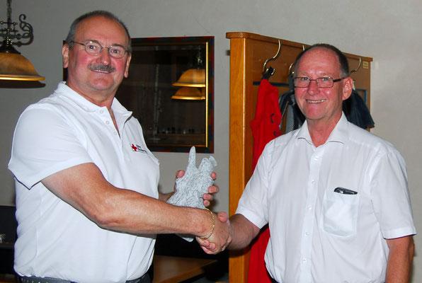 Kreisbrandrat Ascher schätzt die Arbeit Lehners. Für die Feuerwehr ist der HvO eine große Hilfe.