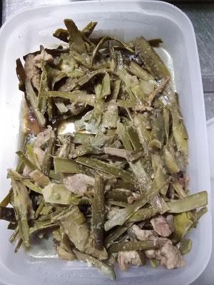 山ウドと鶏皮の甘辛炒め煮。