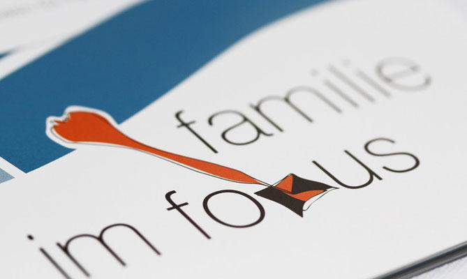 Kampagnen-Signet - Familie im Fokus (Arbeitshefte)