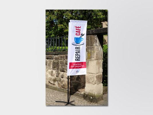 2019 | St. Margareta Düsseldorf-Gerresheim | Square-Flag für das monatlich stattfindende Repair-Café