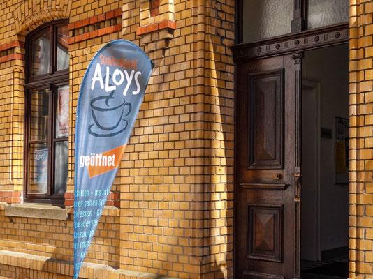 Bürgerstiftung Gerricus, Düsseldorf-Gerresheim | Schülercafé Aloys | Beachflag vor dem Eingang zum Café