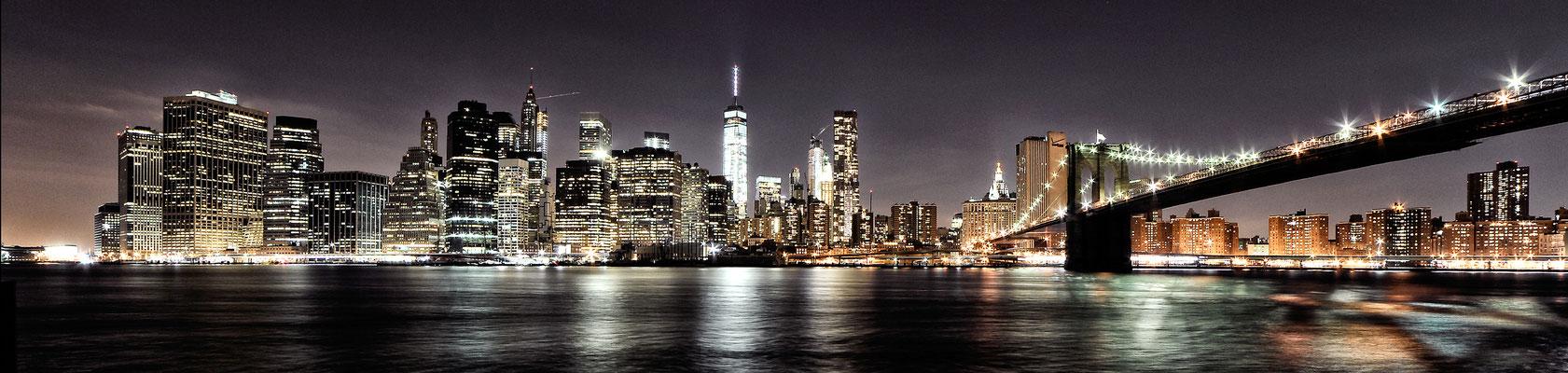 Zicht op de nieuwe WTC toren in Manhattan - New York
