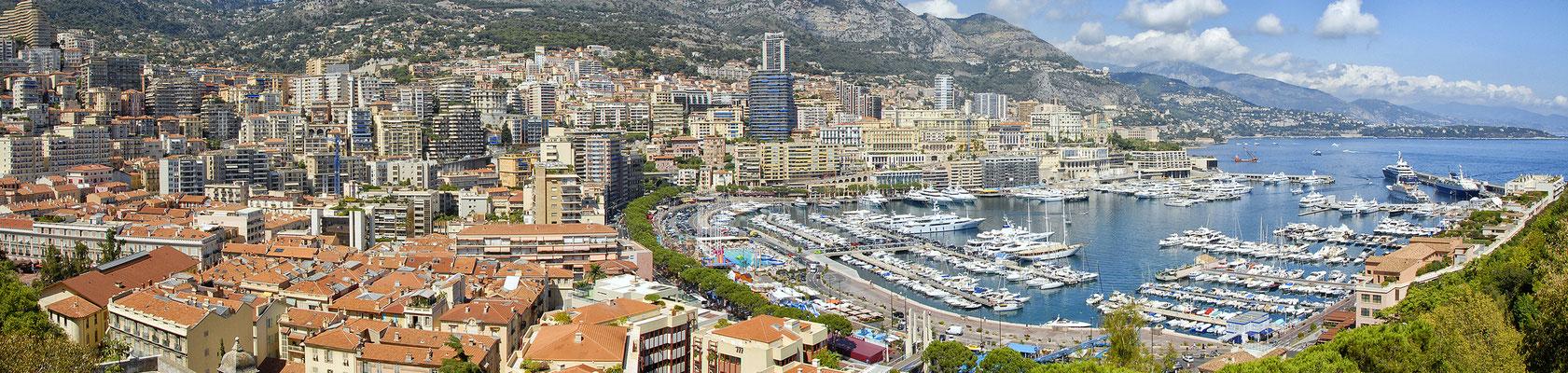 Zicht op de jachthaven van Monte Carlo