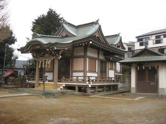左・天神社、中央・八幡神社、右・八坂社