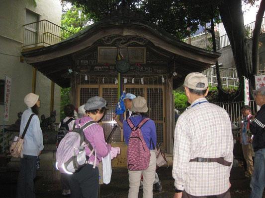 和田稲荷 社殿
