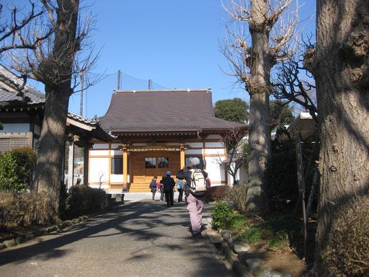 本立寺(絵島生島事件で絵島の義兄 白井地頭の菩提を祀った寺)