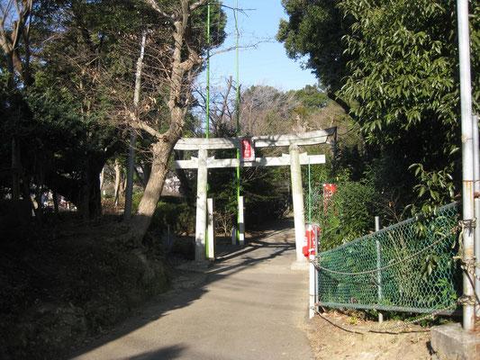 白根不動尊入口(白根不動尊と白根神社の関係は?)