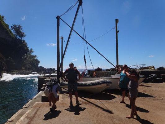 Alter Kran zum Rausheben der Boote