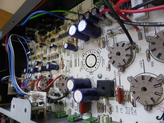 なかなかPCBを取り出す機会がないので、電解コンデンサーを全て新品に!