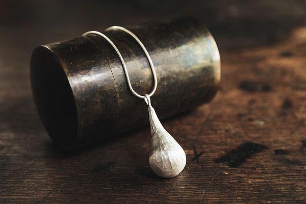 Struktur Tropfen Kette Silber