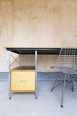 HermanMiller_Eames Wire Chairs