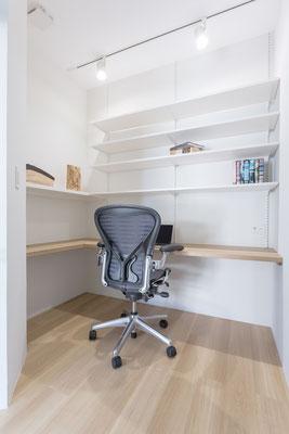 HermanMiller_Aeron Chairs