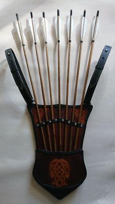 Mongolischer Jagdköcher, zum schnellen ziehen der einzelnen Pfeile, kann am Gürtel oder als Rucksack getragen werden, bzw. am Sattel befestigt werden