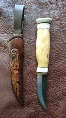 Nassgeformte Messerscheide