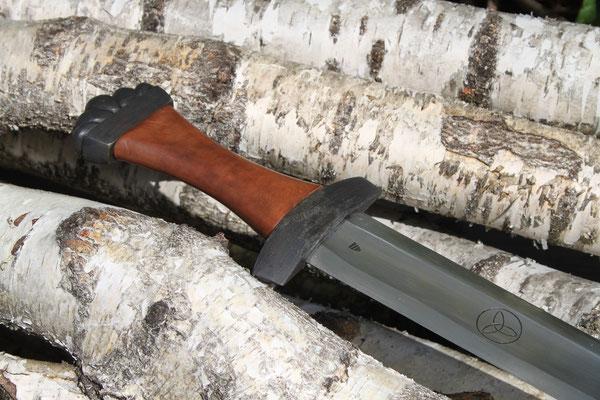 Holzgriff mit Lederüberzug - Schwert (Simon Beyeler)