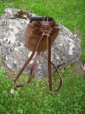 Beutel mit Innenfutter, als Tasche oder Rucksack tragbar