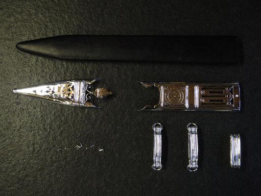 Glaudiusscheide mit Silberbeschlägen (Simon Beyeler),  Gladius (Reto Zürcher)