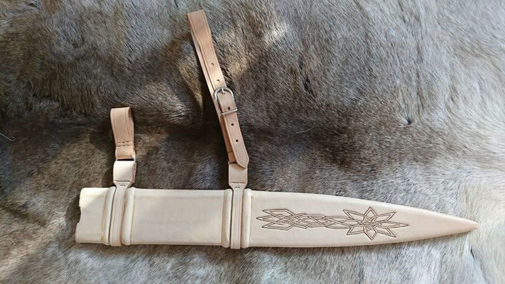 Schwertscheide mit Holzkern - Schmiedearbeiten (Waffenschmiede Zürcher)