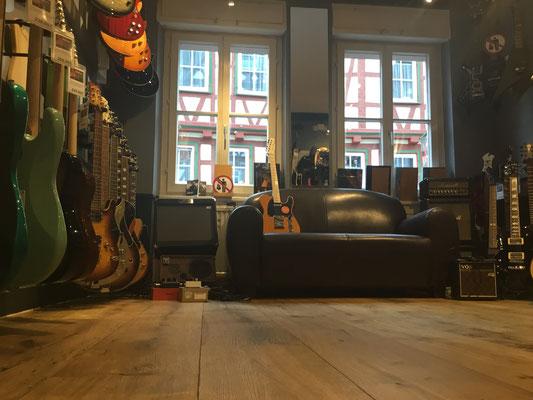 E-Gitarren testen, Gitarren kaufen, Duesenberg, Düsenberg, Fender, Squier, Maybach, FGN,  Vintage, LTD, Jackson, Cort, VGS, Hagström, Musik Fabiani Guitars, 75365 Calw, Nagold, Herrenberg, Leonberg, Stuttgart, Pforzheim, Baden Baden