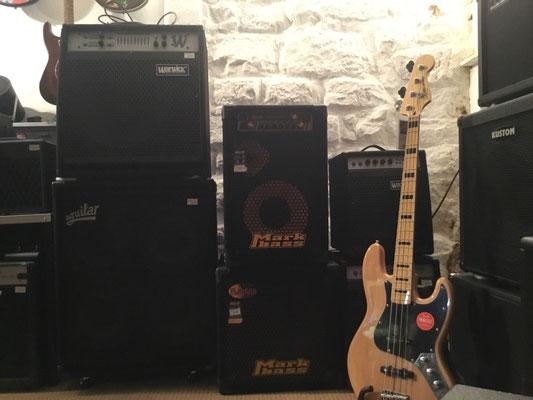Bassvertsärker, Bassamps, Basszubehör, Bassgitarren, E-Bass, Musik Fabiani Guitars, 75365 Calw, Nagold, Herrenberg, Leonberg, Stuttgart, Pforzheim, Baden Baden