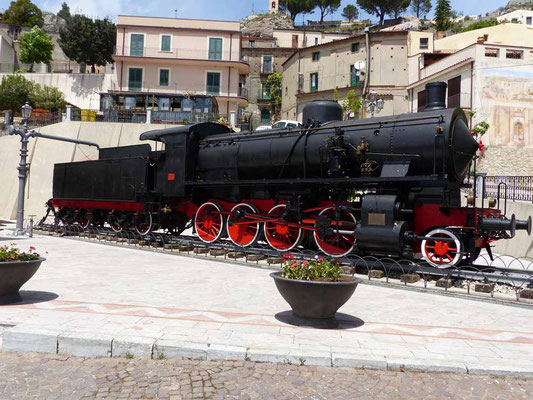 Die Lokomotive auf der Piazza