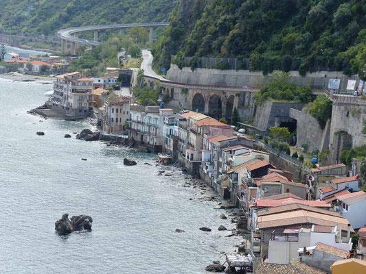 Schöner Blick auf die Ostseite von Scilla