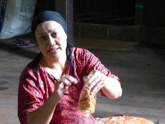 Sie backt leckere Kekse, aber nach 1 Stunde schmecken sie wie Gummi
