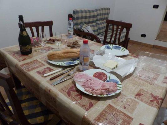 """Leckeres Abendessen im """"gemütlichen"""" Heim"""