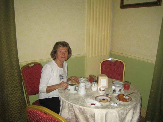 Frühstück im Hotel Excelsior