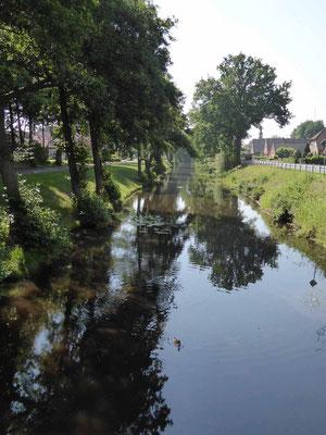 Immer am Kanal entlang