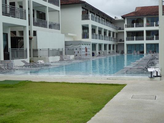 Pool beim Hotel Hive, das dem Emerald zugehörig ist