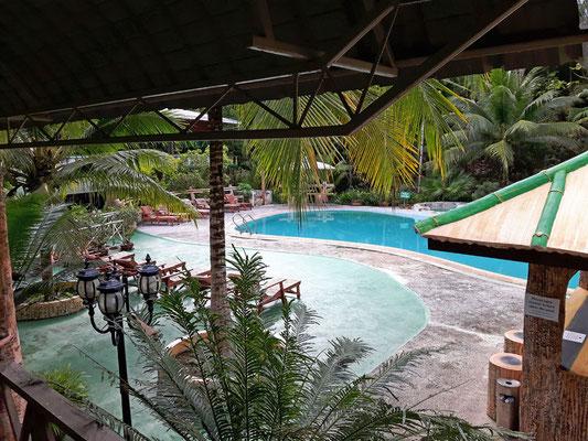 Der hübsch gelegene Pool