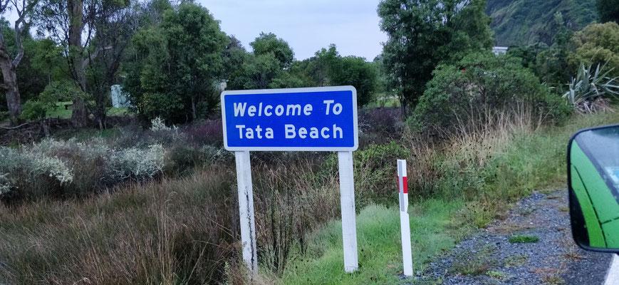 La rando commence depuis Tata Beach, spéciale dédicace...