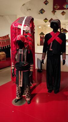 Vêtements traditionnels des Hmong Noirs