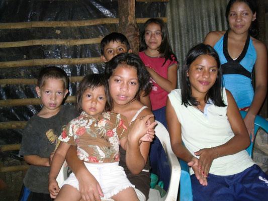 Familien in Atiquizaya 2009
