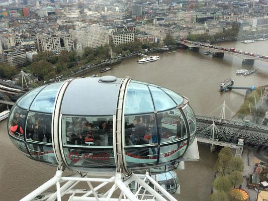 The London Eye - eine verglaste Kapsel für 25 Personen