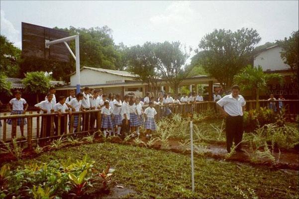 """Das Projekt """"Patios Verdes"""" in Atiquizaya wird vorgestellt 2005"""