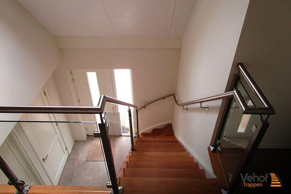 Rvs leuningen & hekwerk houten trappen hengelo en overijssel