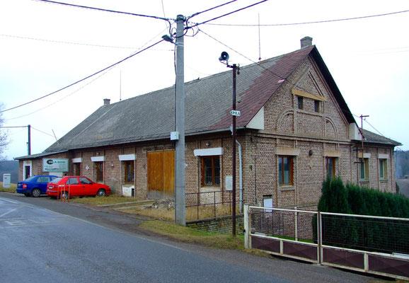 Bergverwaltung des ehem. Bergbauunternehmens Permon (erbaut 1935).